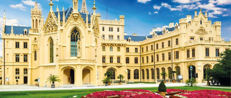 Mikulovmit Schloss Lednice