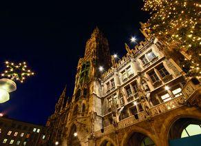 D_Bayern_München_Rathaus bei Nacht