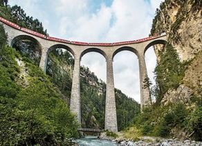 Bernina Express CSwiss Travel System swiss image ch Marcus Gyger